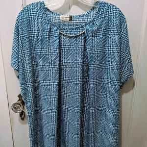 Jon & Anna blouse with necklace clasp
